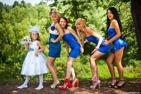 Naughty Bridal Party Photos Google Search Awkward Wedding Photos Wedding Photos Bridesmaid Funny