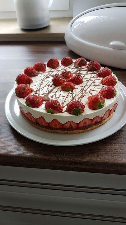 Erdbeer-Mascarpone-Torte – Cakes // Cookies