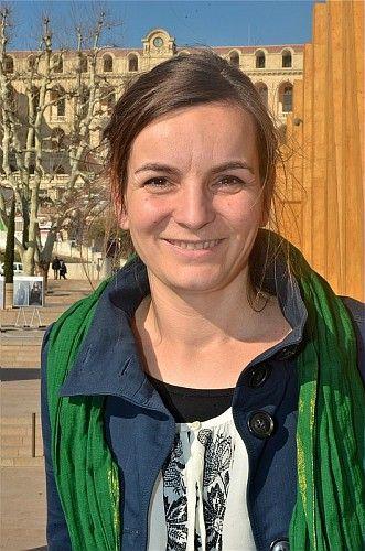 """21 février: Discussion autour de l'exposition """"A la gitane"""" au J1 avec Anne Drilleau, coordinatrice de l'association """"Petit à Petit"""""""