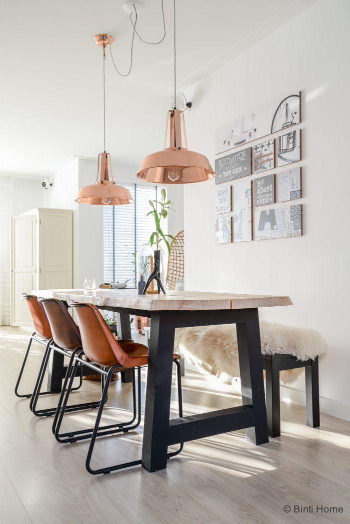 Home inspiration  Eetkamertafel en bank ontworpen door K