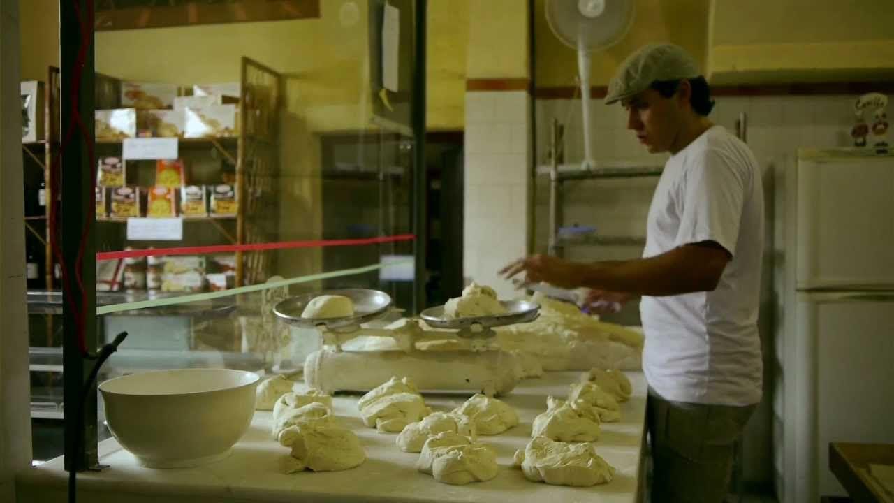 O crocante Pão italiano em : PADEIROS DA MOOCA Parte 01