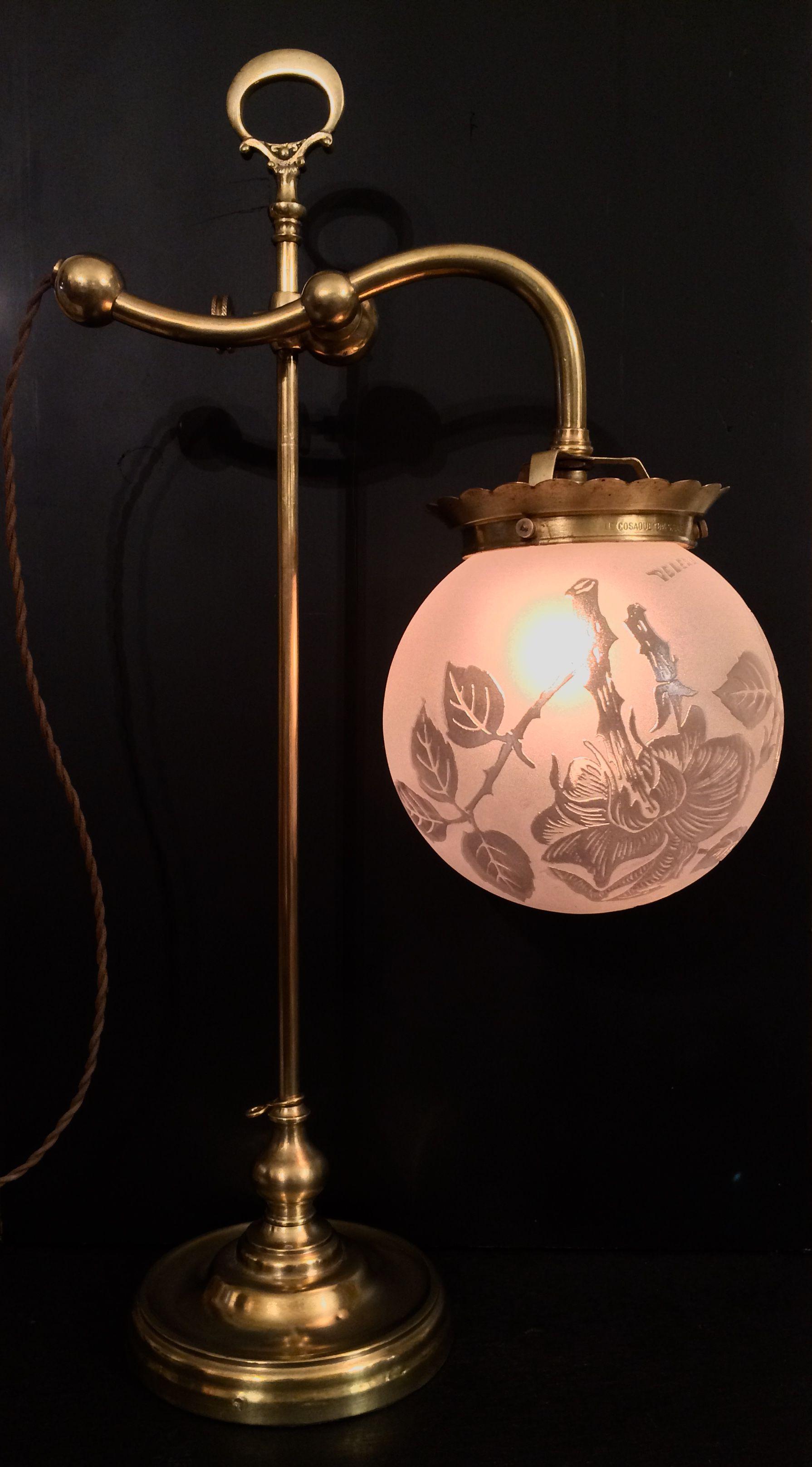 Lampe Art Deco Globe En Pate De Verre Signee Deveau 1920 1930 Retro Art Deco Art Deco Lamps Retro Art