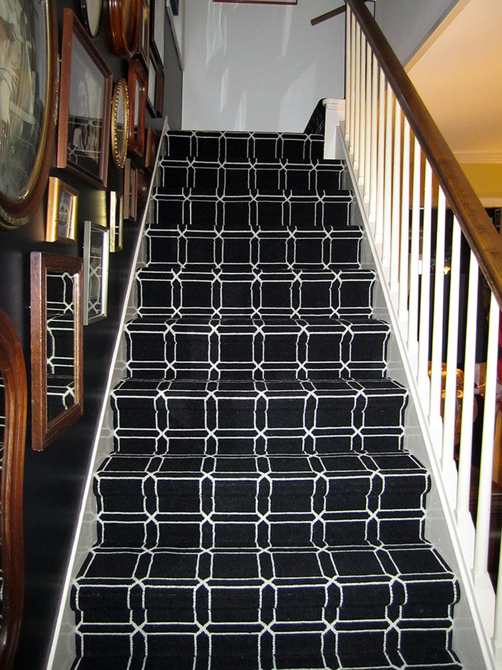 Best Carpet For Stairs How To Pick The Best One Out There 400 x 300