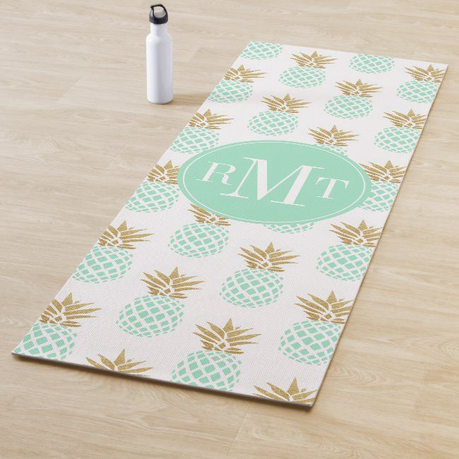 Elegant faux gold tropical pineapple pattern yoga mat #minimal #minimalist #pretty #beautiful #cute...