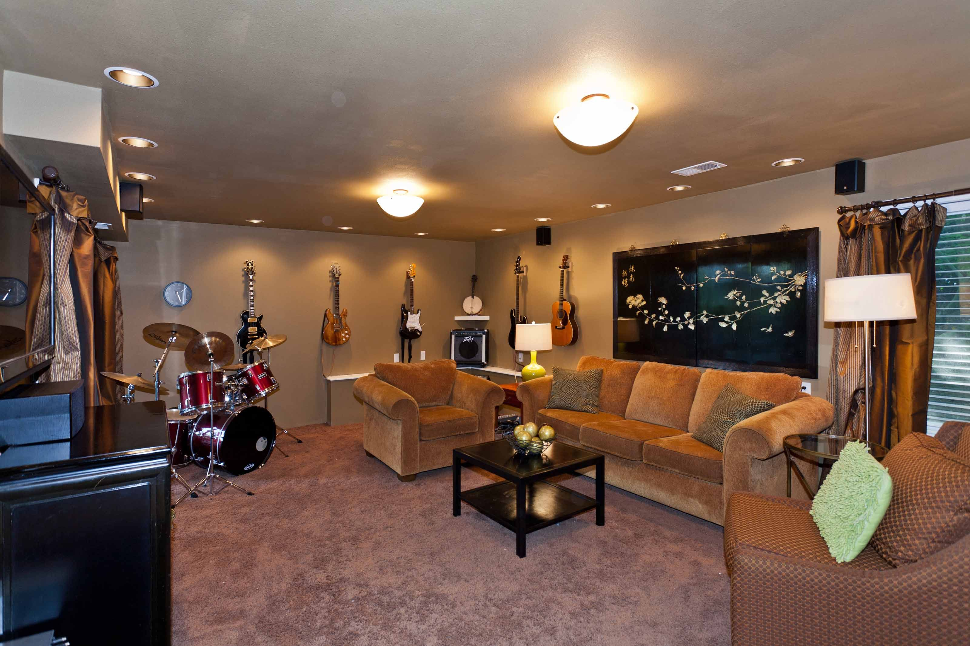 Music Living Room Man Cave Music Room Living Spaces Pinterest Caves Music