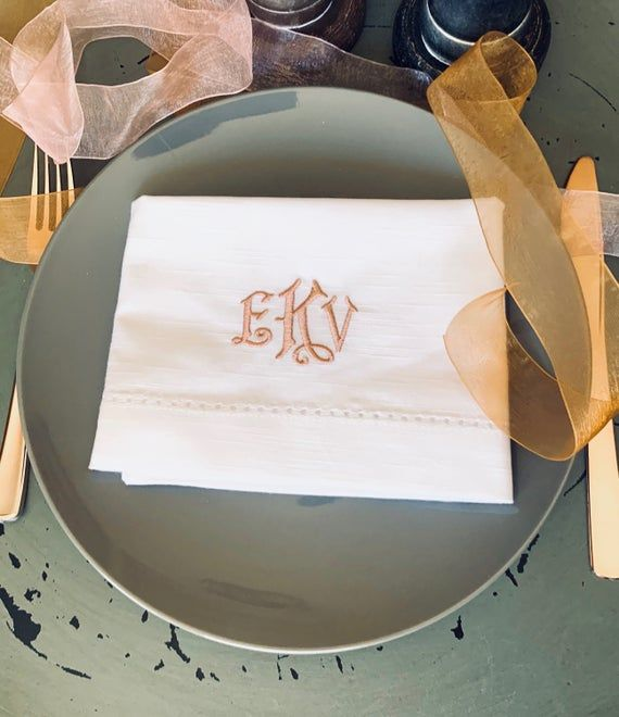Mia Monogrammed Embroidered Cloth Napkins / Set of 4 / personalized gift, monogram, wedding linens,