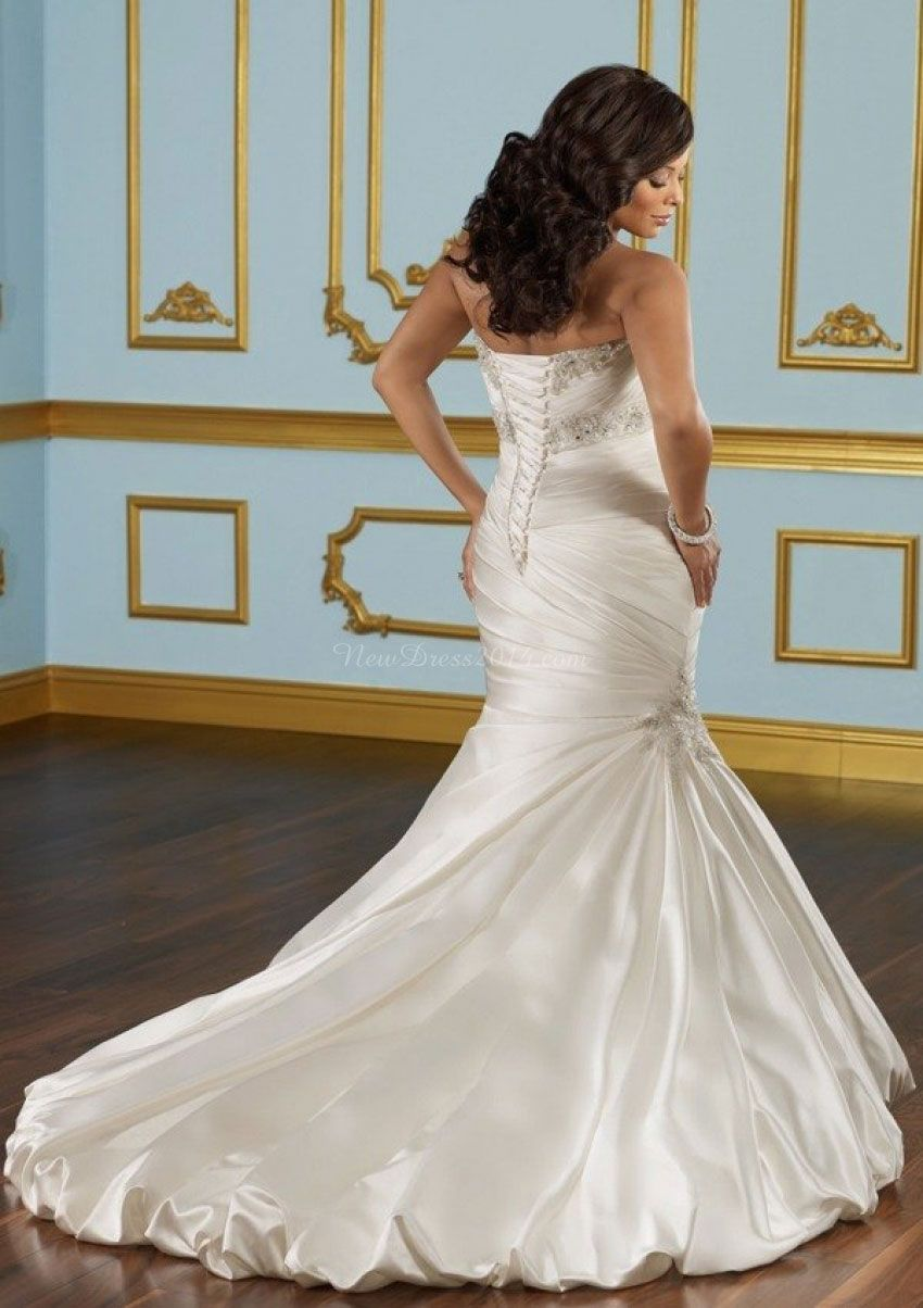 Plus size empire trumpet sleeveless crystals wedding dress things