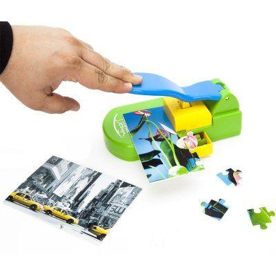 Mit diesem tollen Puzzlestanzer kannst Du Deine eigenen Puzzle erschaffen. Schönes Geschenk, mit persönlichen Touch und auch Spannung-Garantie. via www.monsterzeug.de