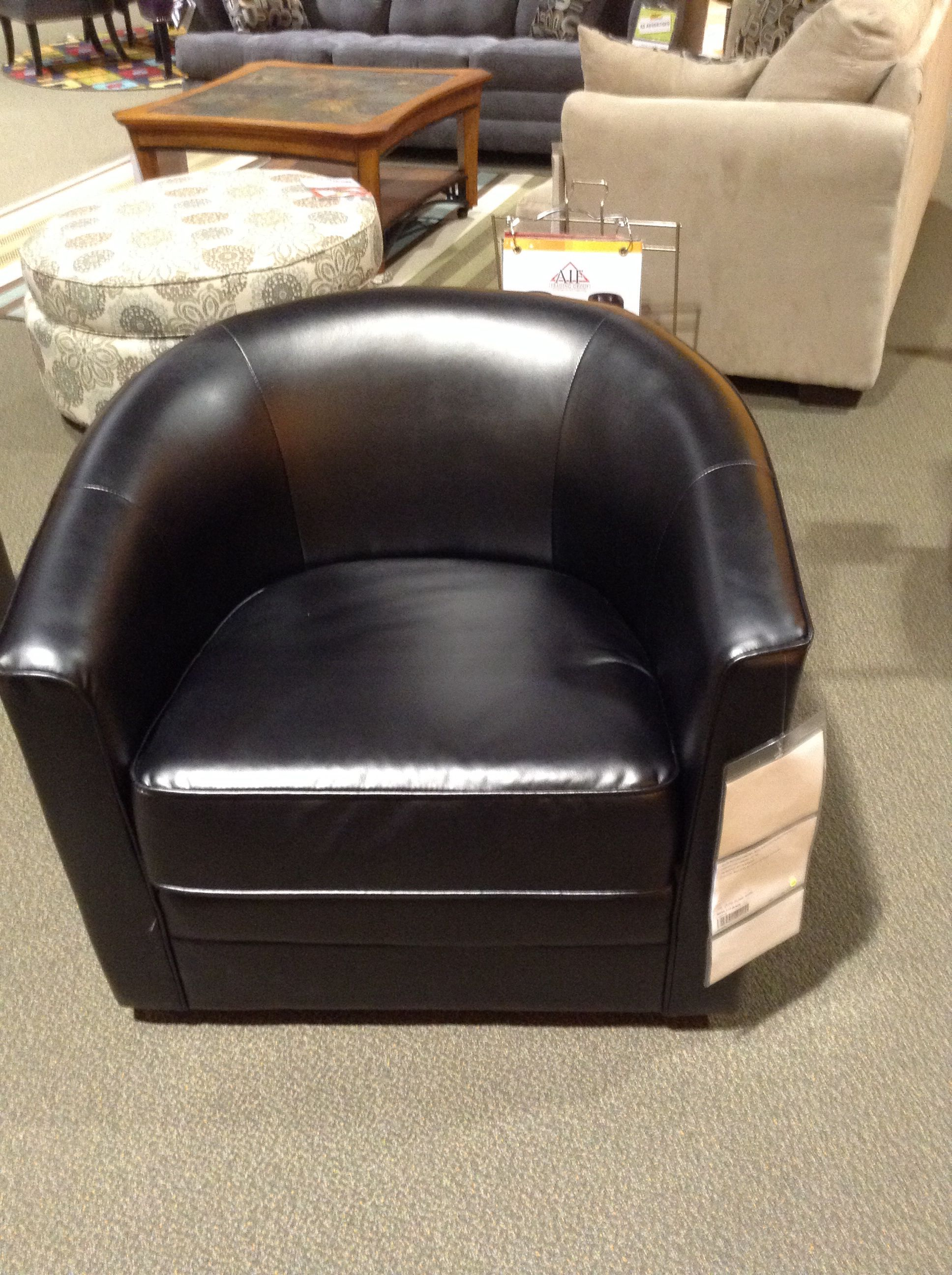 Best Art Van Clearance Center Milo Swivel Chair With Images 400 x 300