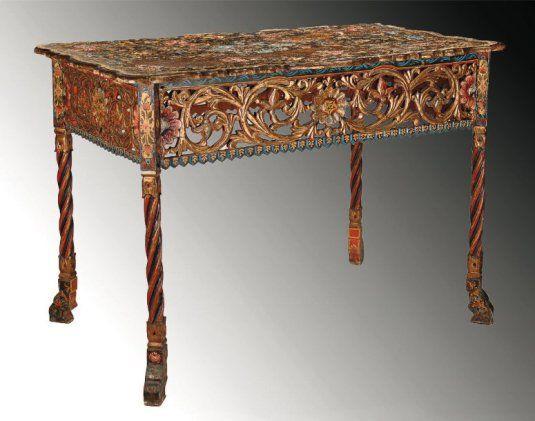 Bureau de dame ou desserte en bois découpé sculpté torsadé et