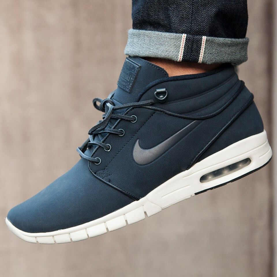 Nike Men's Stefan Janoski Max Mid Mid-Top Fashion Sneaker