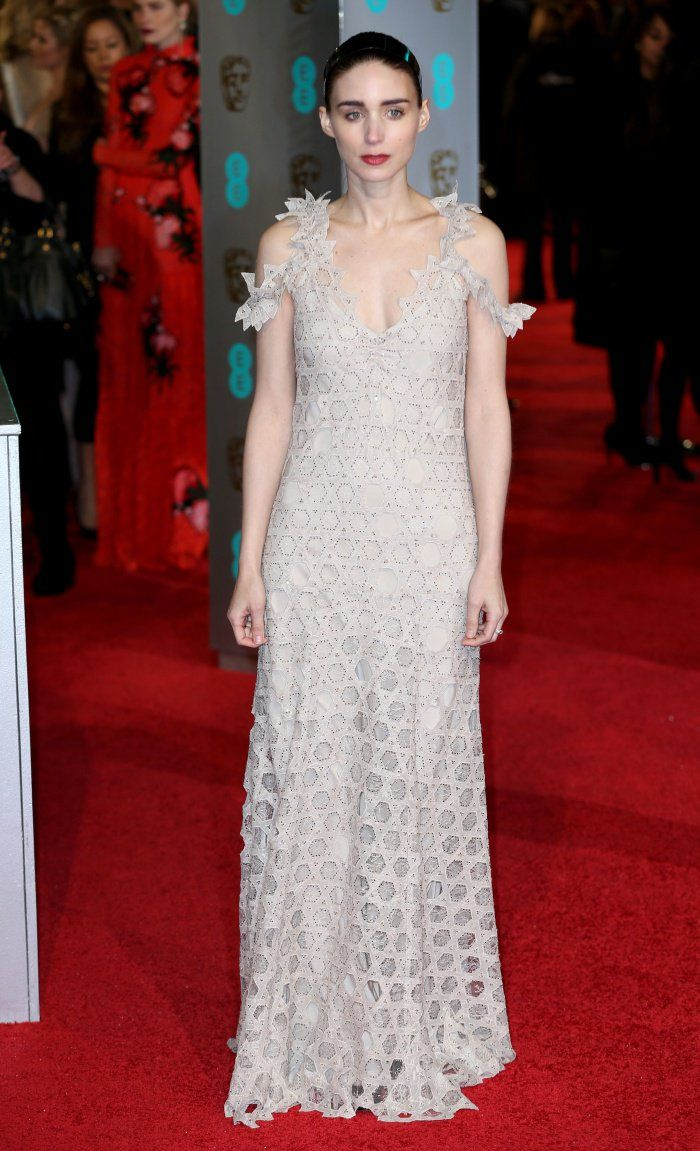 pics Exclusive: Rooney Mara BAFTAs Hair How-To