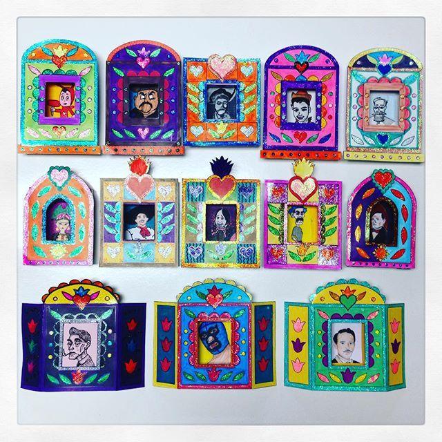 Los #Nichos de cartulina que hicieron mis alumnos de 5to semestre para exhibir con el Altar de Muertos quedaron preciosos!
