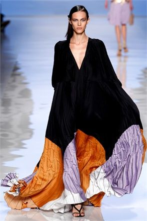 Caftan - Vogue.it  Love the black portion- doesn't have to be this long