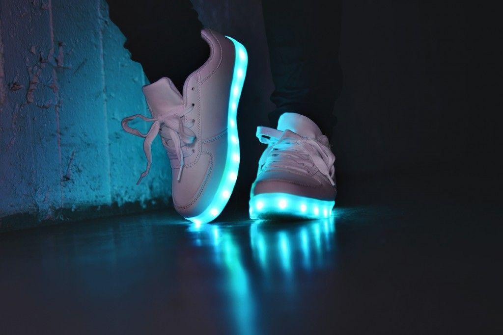 chaussure nike lumineuse