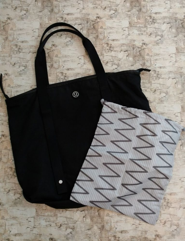 7724d44b349 Lululemon Summer Lovin Tote Yoga Bag Black With Swim Bag / | Clothing,  Shoes & Accessories, Women's Handbags & Bags, Travel & Shopping Bags | eBay!