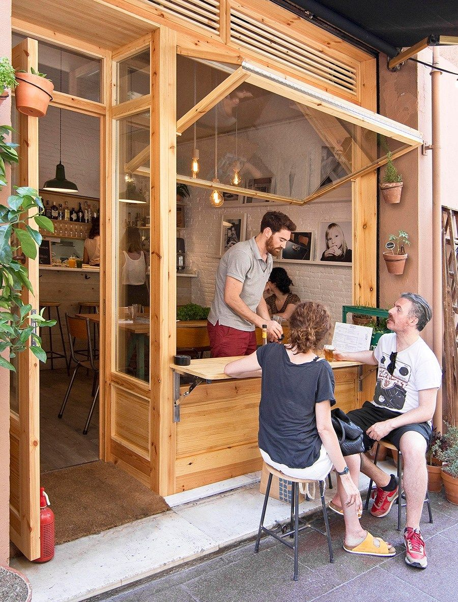Bar But Allday coffee & dining spot in Barcelona's Vila