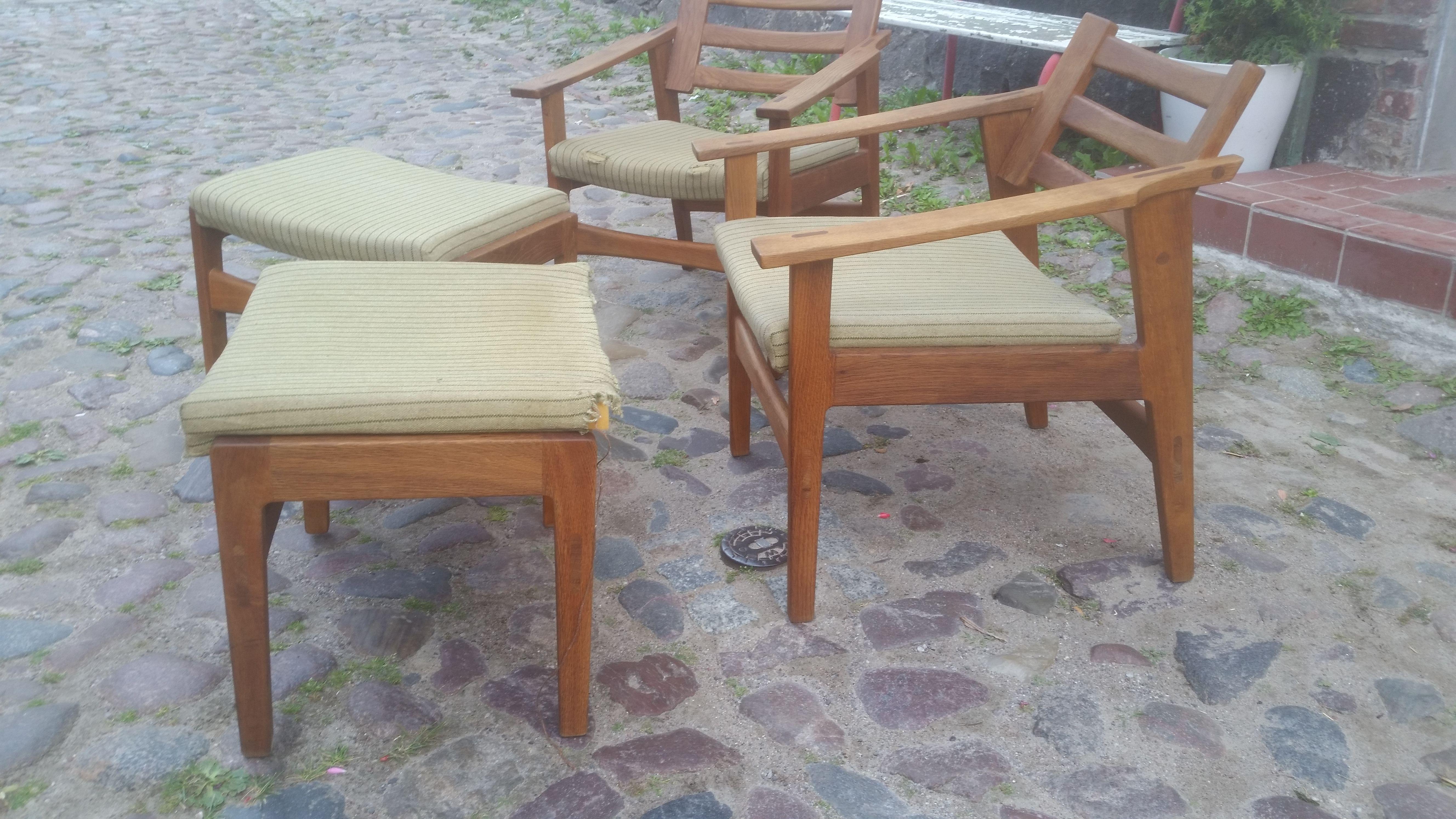 Schone Holzsessel Aus Den 50er 60ern Mit Jeweils Einem Hocker Zu Finden Bei My Vintage Berlin Holzsessel Sessel Hocker