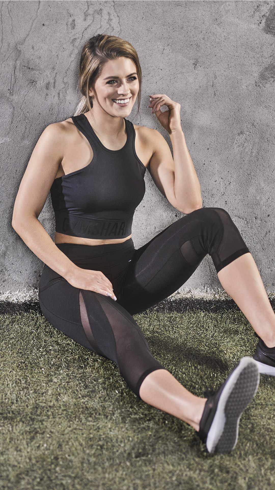 aaad5c7a30242 Whitney Simmons styling the Sleek Sculpture Cropped leggings in black. Back  and better than ever