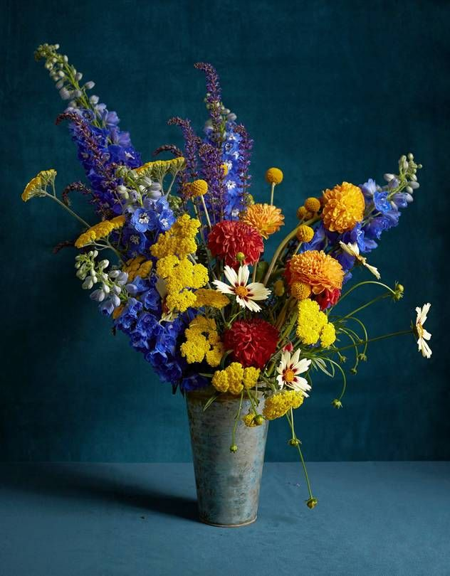 Photo of A Late-Summer Bouquet Inspired by a Vincent van Gogh Painting