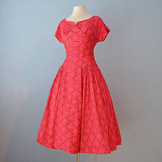 7b39cf74fe5c 1950s Day Dress...VICKY VAUGHN Red Floral Print Cotton Dress 28 Inch Waist