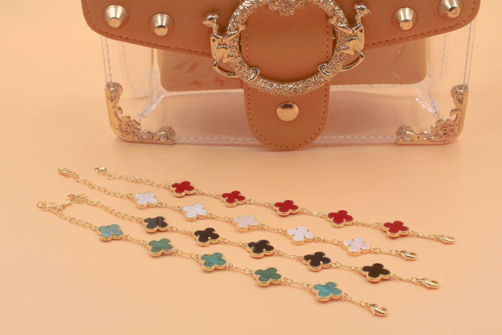 اسواره فان كليف 5 وردات حجر من الصدف على الجانبين مزود بقفل لوبستر قابل للتحكم بالقياس صنعت في كوريا اساور اسواره فان كليف اكسسوا Jewels Accessories Jewelry