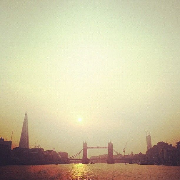 Sun going down over Tower Bridge, #London 23°C I 73°F #BurberryWeather