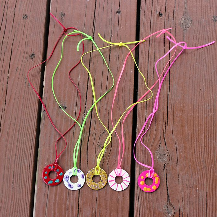 DIY Washer Necklace - An easy craft for the kids