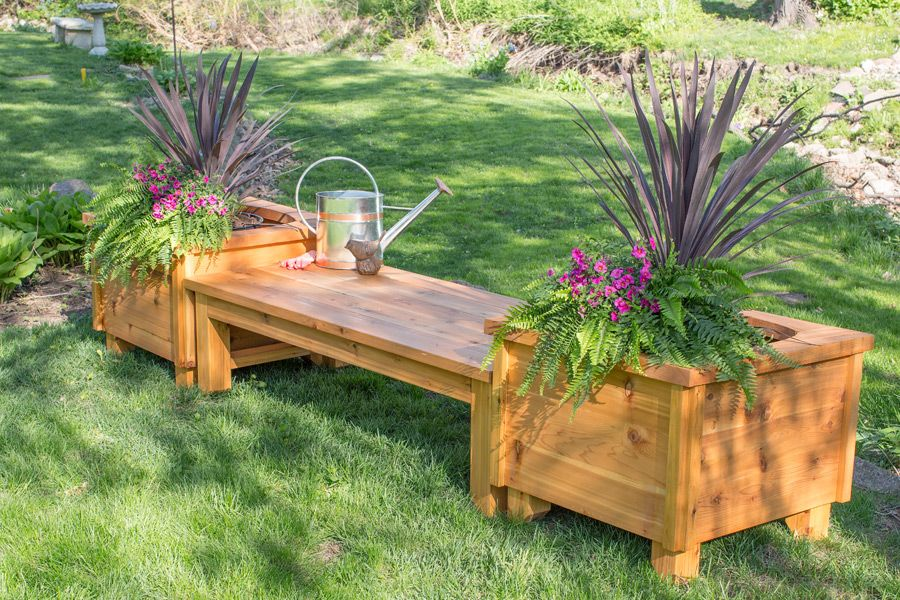 Build Your Own Cedar Bench Complete With Matching Planter Boxes To Beautify Your Backyard Find The Free Project