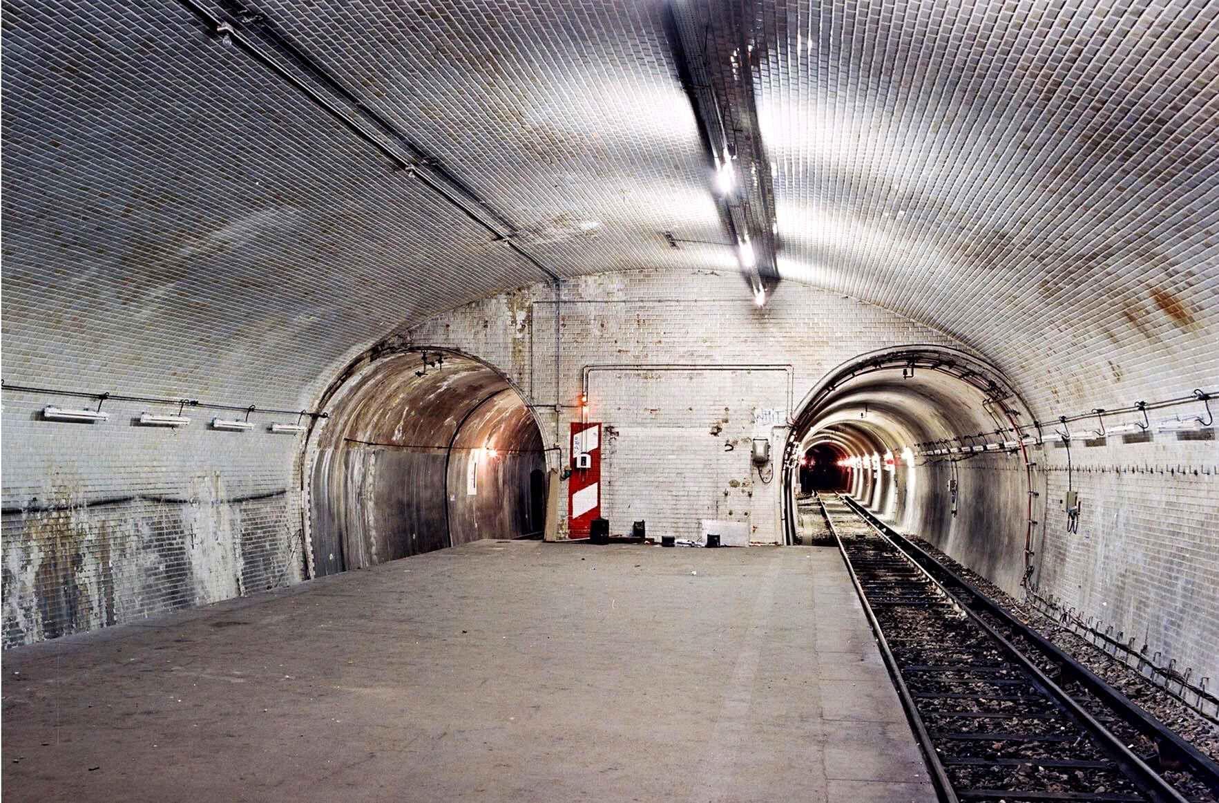 Les stations fant mes du m tro parisien metro for Garage du park mouans sartoux