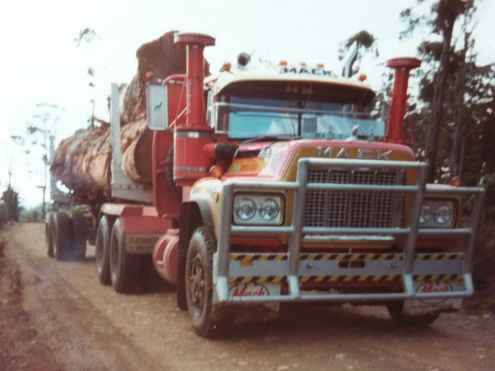 Pin By Aria Faith Elliott On Log Trucks Mack Trucks Trucks Classic Trucks