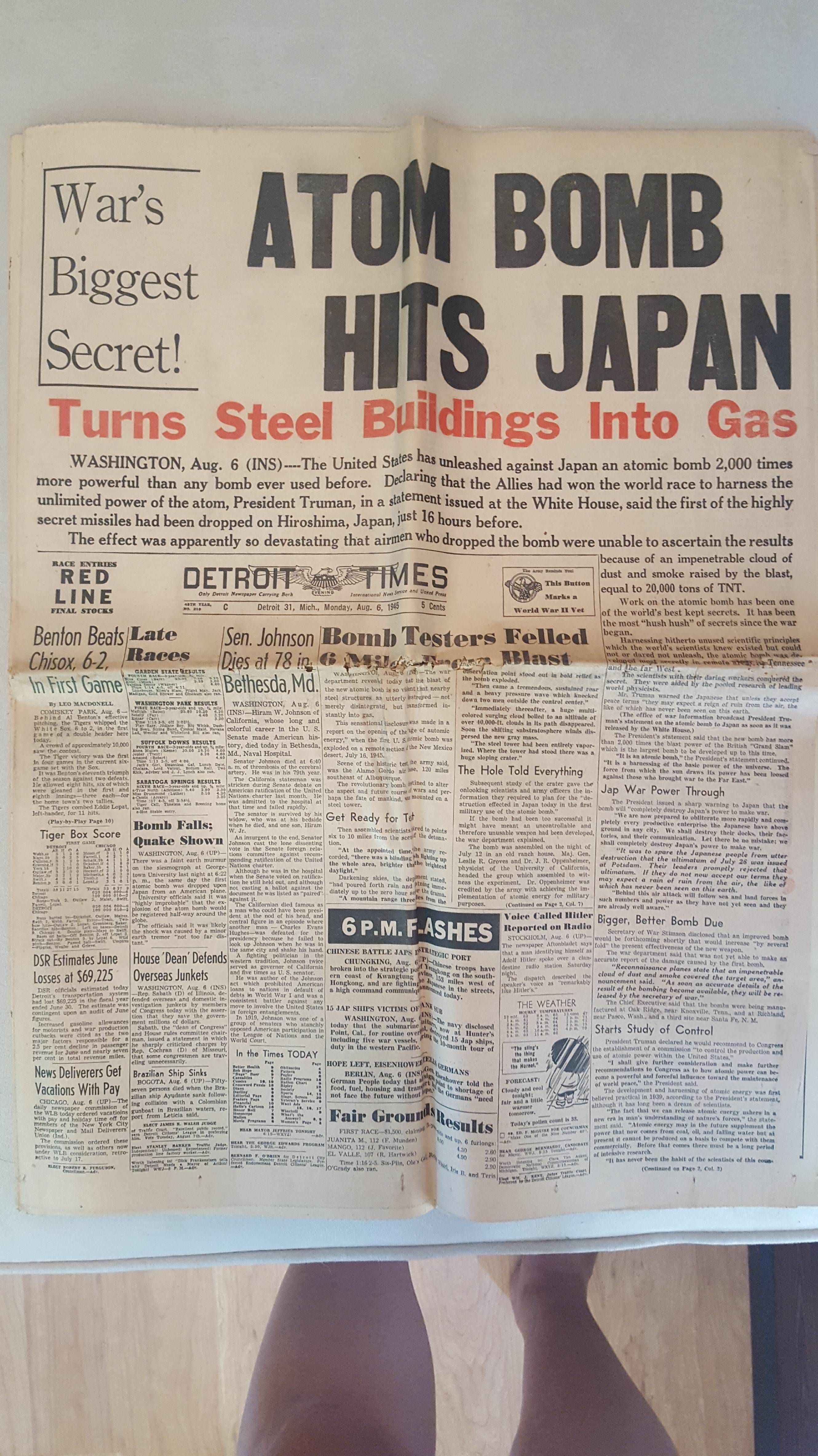 Https I Imgur Com Ffw1h8p Jpg Old Boxes Old Newspaper Family Memories