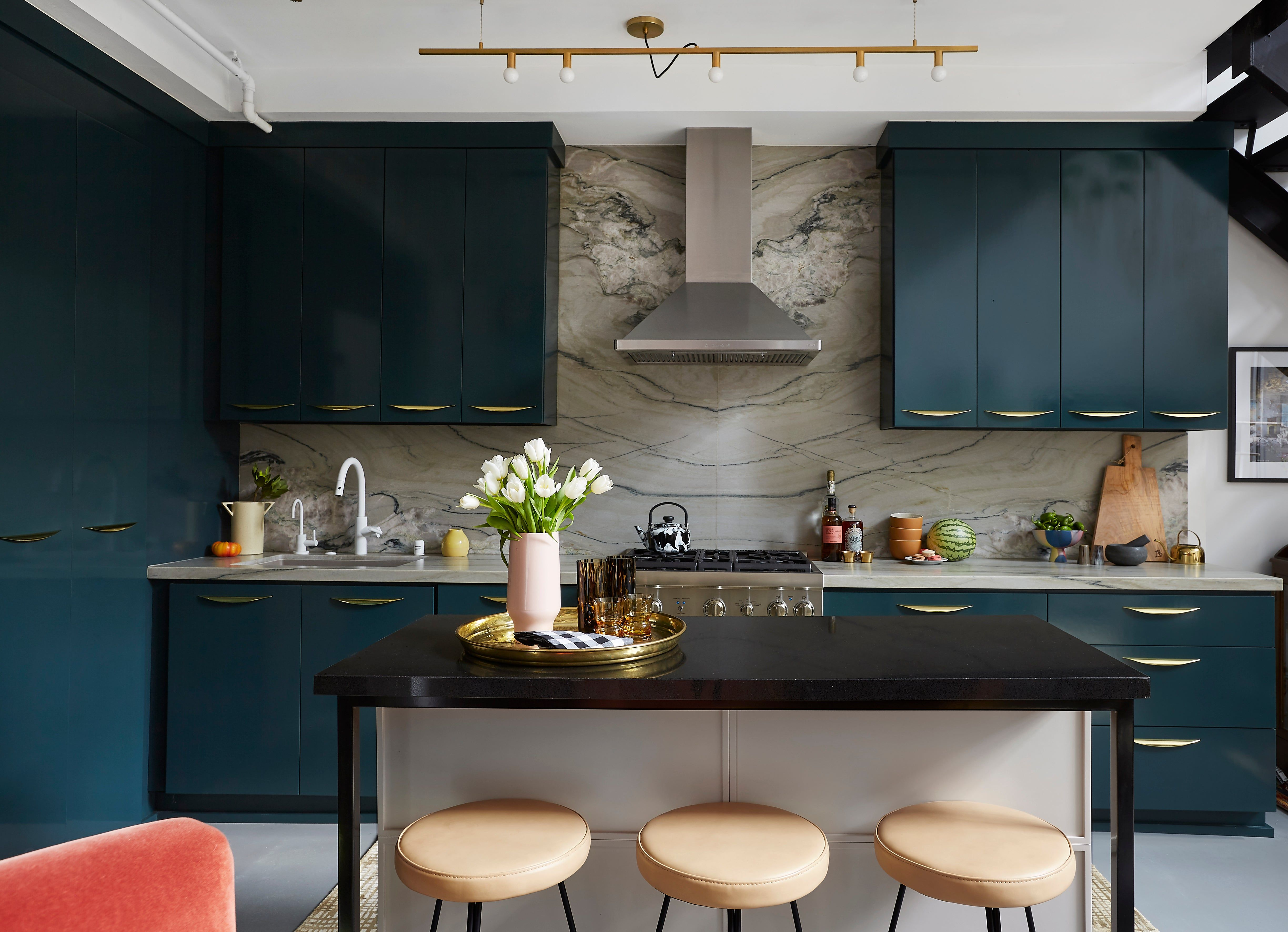 See More Of Black Lacquer Design S Silver Lake Loft On 1stdibs In 2020 Classy Kitchen Stylish Kitchen Design Kitchen Inspirations
