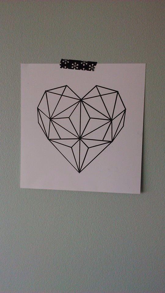 Geometric heart für Leinwand --> darunter i love you more every day oder love is spruch