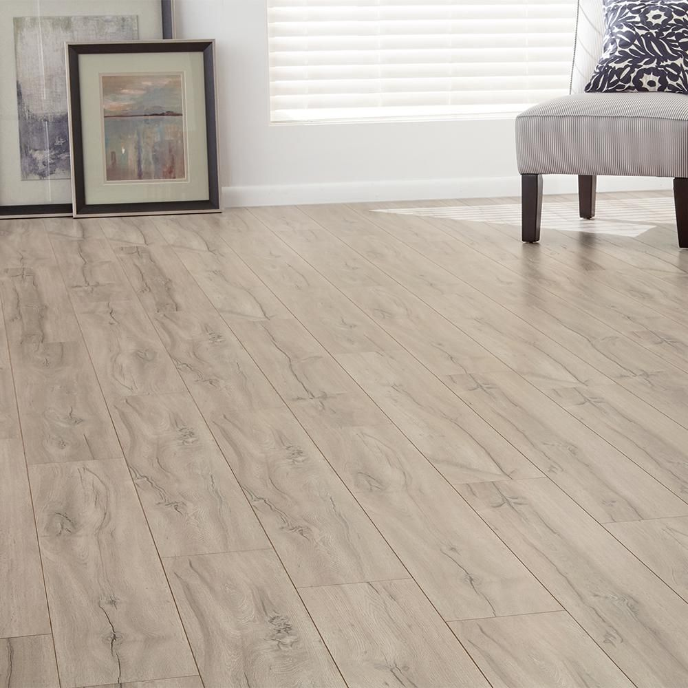 Home Decorators Collection Eir El Norte Oak 8 Mm Thick X 7 64 In Wide X 47 80 In Length Laminate Flooring 30 42 Sq Ft Case Hl1302 The Home Depot Home Decorators Collection Flooring Laminate Flooring