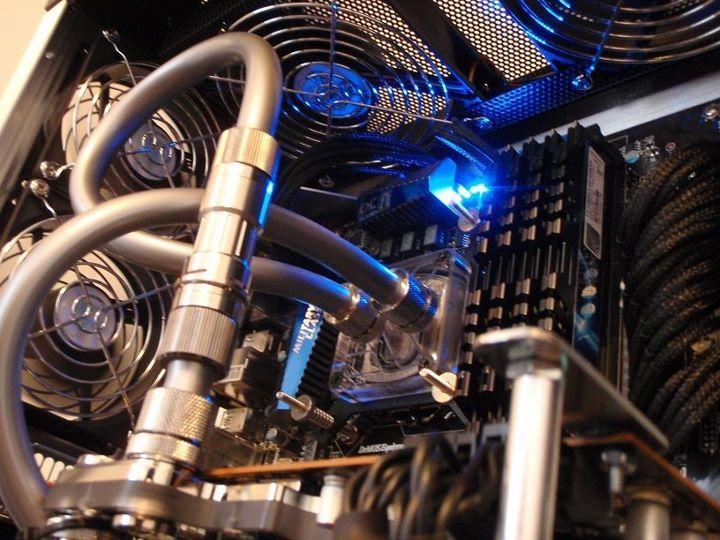 Titanium Liquid Cooling Custom Gaming Computer Custom Computer