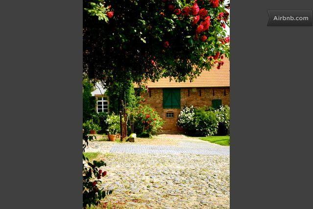 Hofgut Habitzheim Bio Bauernhof 2 In Otzberg Hofanlage Biobauernhof Ziegelsteine