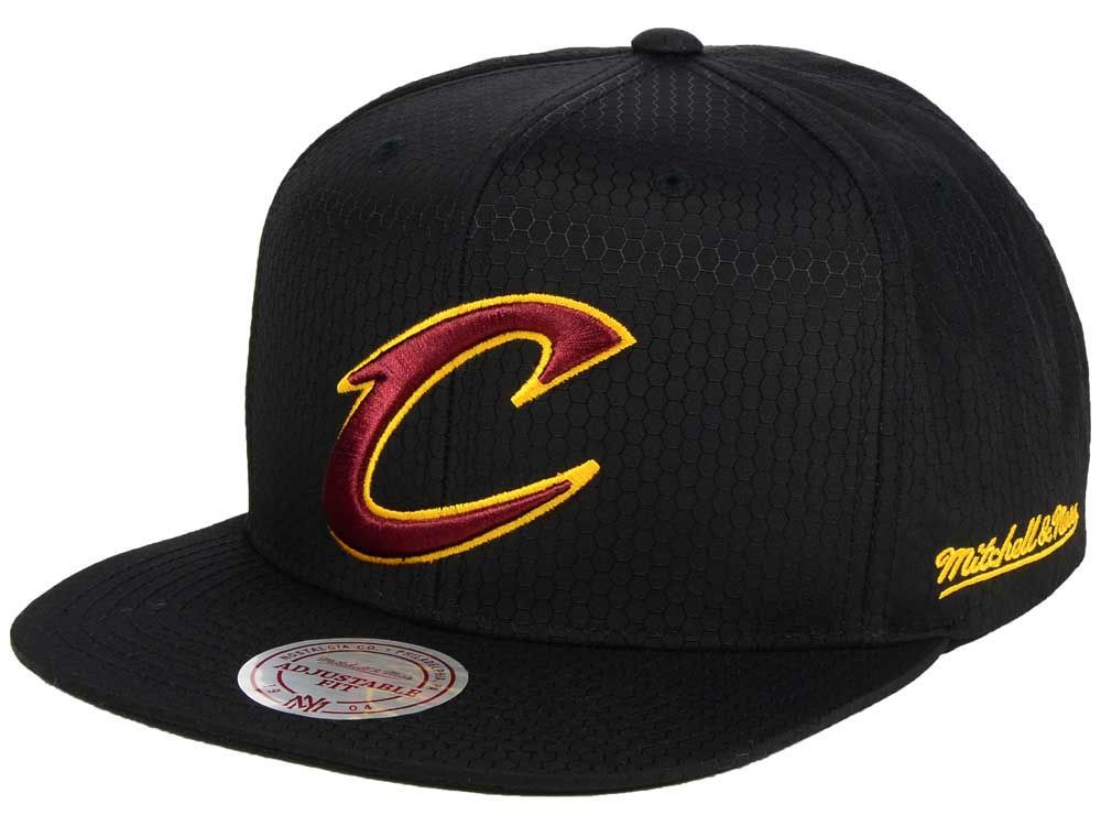 cd9df443d26 Cleveland Cavaliers Mitchell   Ness NBA Black Ripstop Honeycomb Snapback Cap