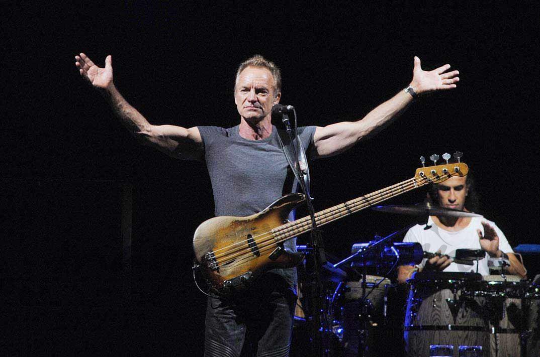 Sting y su hijo Joe Sumner, homenaje a Frank Sinatra en All'Assago Arena en Milán