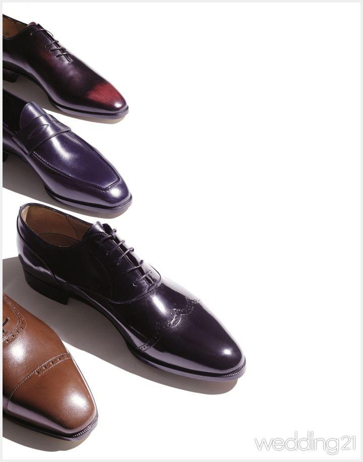 [그룸] 그들의 세계로 한걸음, 남자구두 이야기 여자 구두만큼이나 종류가 다양한 남자 구두. 패션 스타일에 맞춰 어떤 구두를 신어야 하는지 알고 있는가. 알고 신으면 한층 품격이 높아지는 남자구두 이야기.