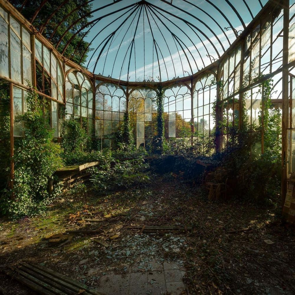 25 truly stunning shots of abandoned places gardens beautiful