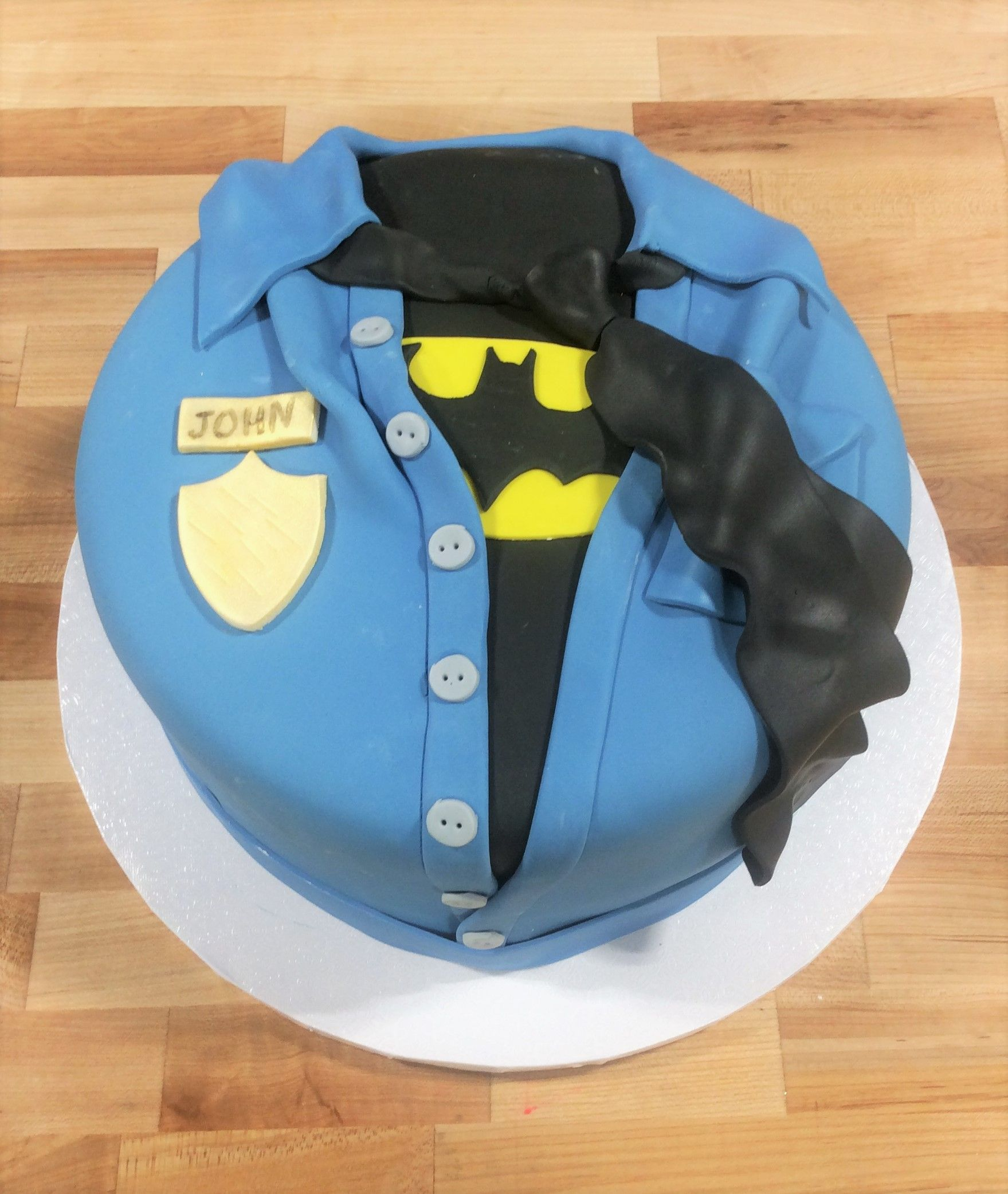 Astounding Police And Batman Themed Round Cake Police Birthday Cakes Funny Birthday Cards Online Sheoxdamsfinfo