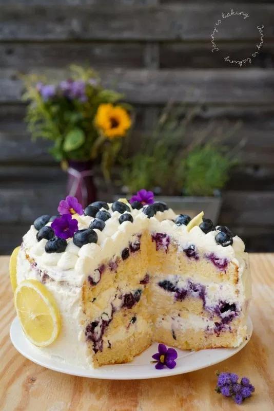 Super saftige Heidelbeer-Zitronen-Torte - Jenny is baking