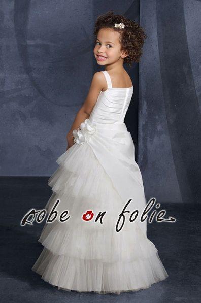"""826c094dbe418 """"Bunny""""- Robe cortège pour enfant couleur blanche confectionnée en taffetas  et effet cascade. """""""