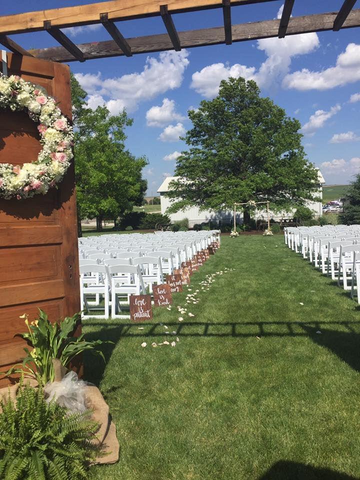 Bloomsbury farm rustic chic wedding venue near cedar