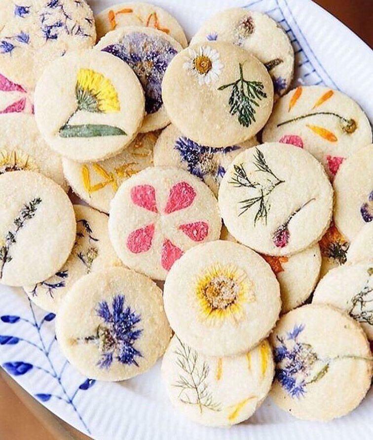 I'm Always On Board For Cookies, But Flower Cookies? Yep