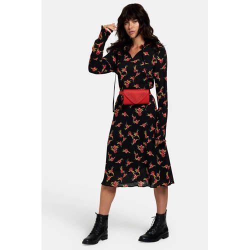 ce5b0a850c4 Eksept Merin jurk met een all over bloemendessin   Products in 2019 ...