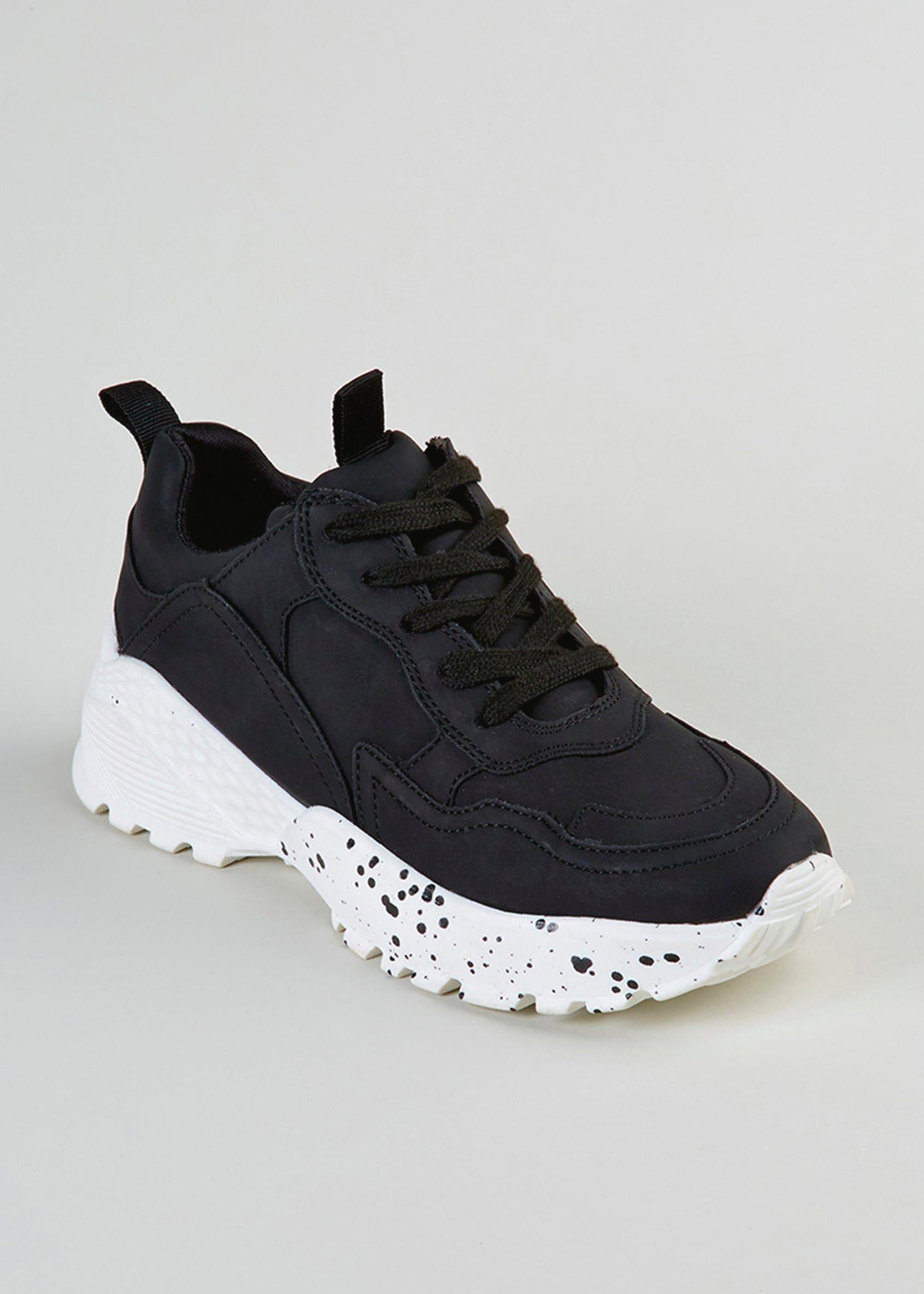 Flip flop shoes, Trainers