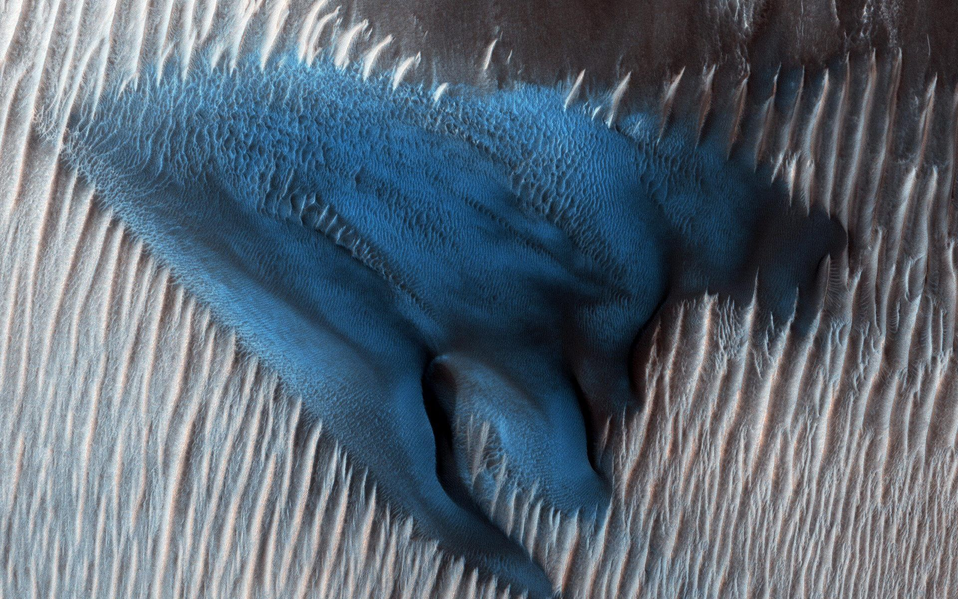 Fox News Nasa Unveils Stunning Blue Dune Image Seen