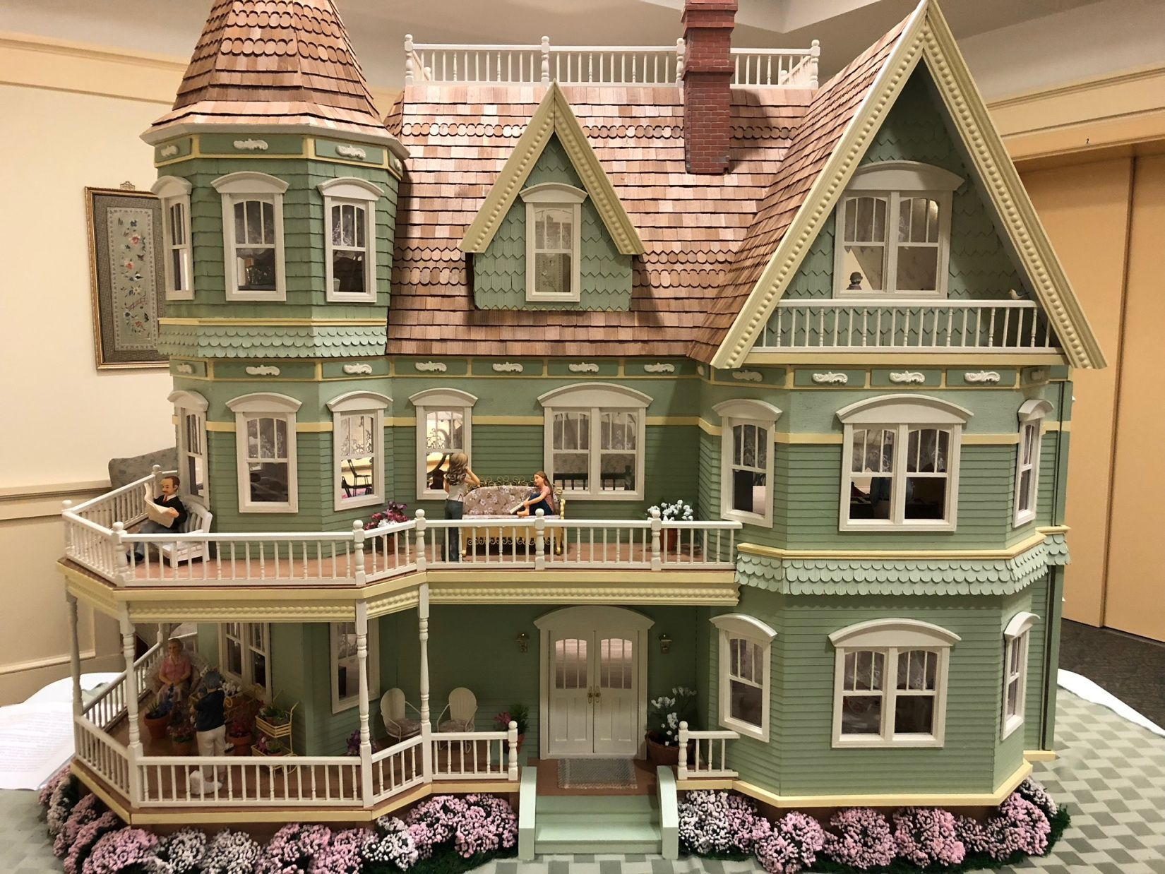 The Queen Anne At Redstone Highlands Deanna Ferry Dollhouses Miniature Houses Doll House Plans Doll House
